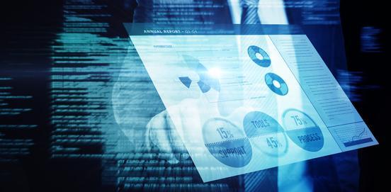 Texte im Hintergrund - Business-Chart im Vordergrund